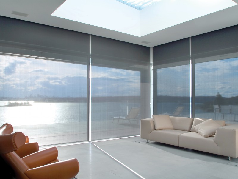 cool-black-screen-blinds-1-cr-800x600